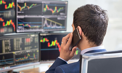 What do stock market brokers make Forex, Binary Options